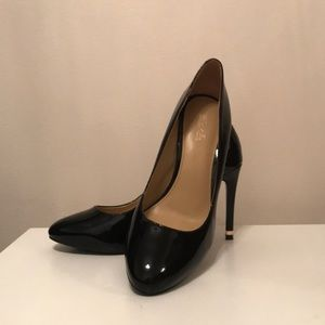 Michael Kors 6.5 Leather Pumps